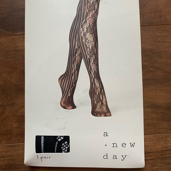 A new day lace fashion tights size medium/large